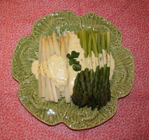 WHITE AND GREEN ASPARAGUS WITH HERB HOLLANDAISE